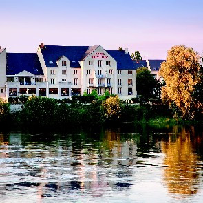 Mercure  Bords de Loire****