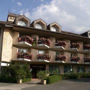 Hôtel l'Arc-En-Ciel***