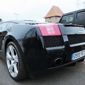 Lamborghini / Ferrari / Hummer