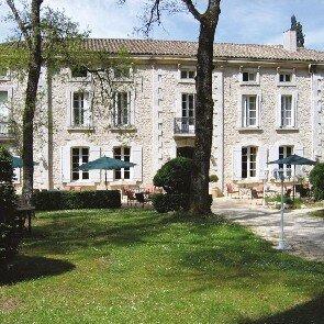 Château de l'Hoste***