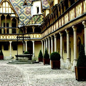 Hôtel Henry II****
