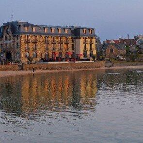 Castel Beau Site****