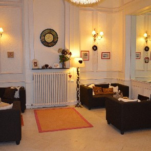 Hôtel Le Lion d'Or**